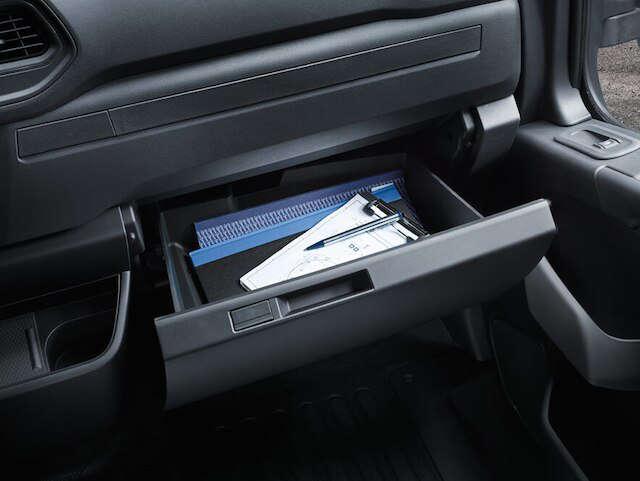 Opel, Movano, універсальність, висувний ящик для рукавичок